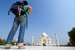 th-Backpacker-Taj-Mahal-India