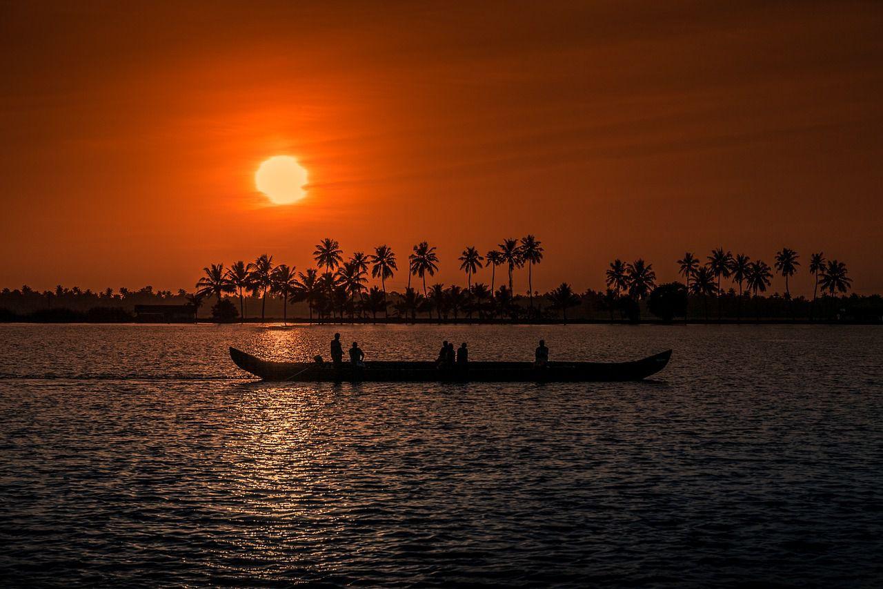 kerala as best honeymoon places in india