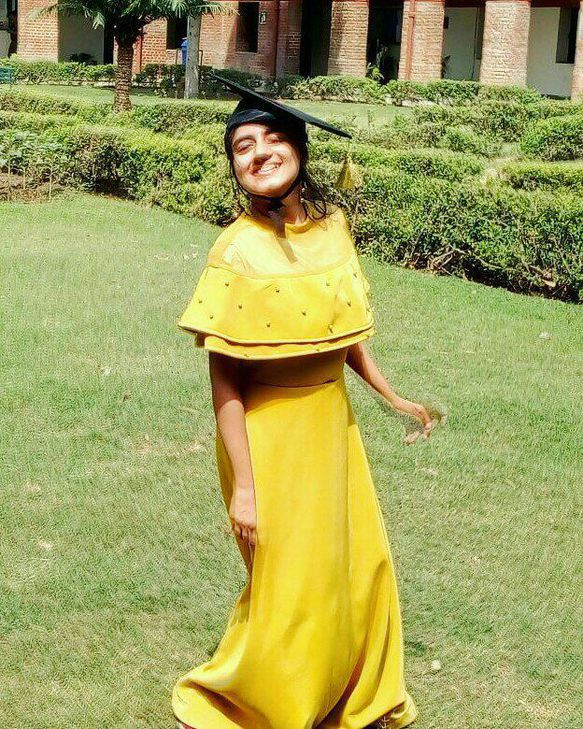 vinayana in yellow dress
