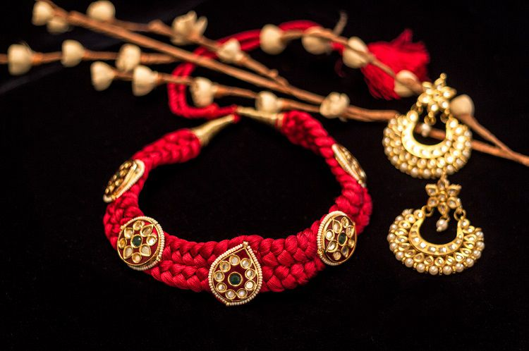 signature handicraft jewellery