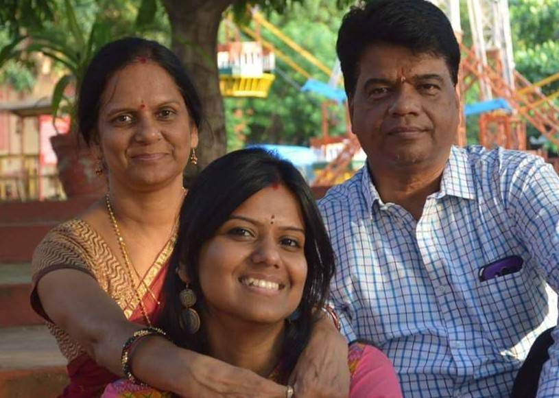 priyanka with her parents