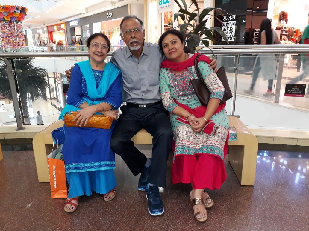 susmita with parents