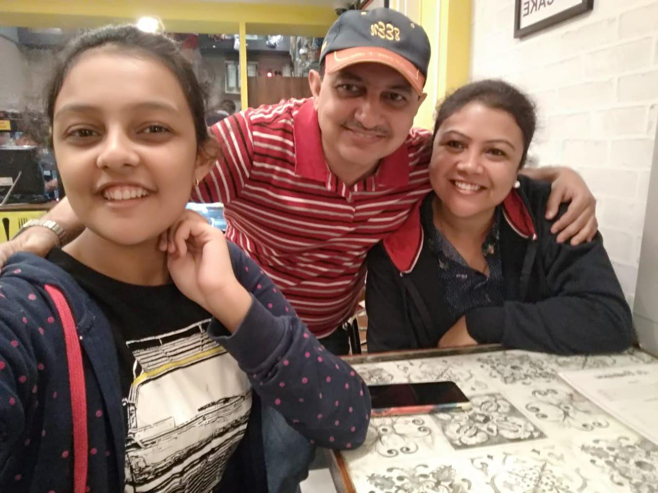 susmita with daughter and husband