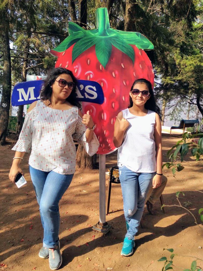 susmita travels with daughter