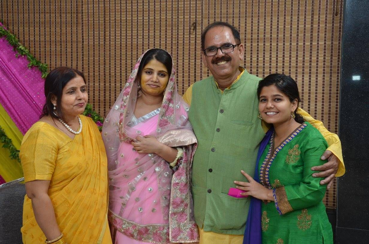 sana with family