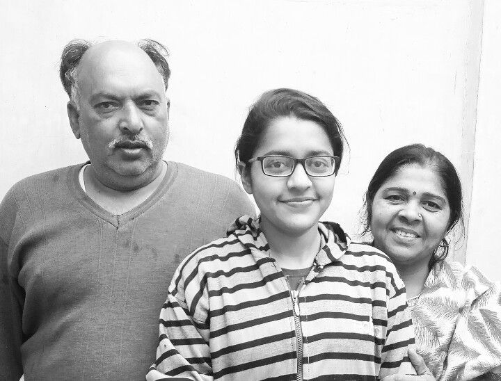 pawana with her parents
