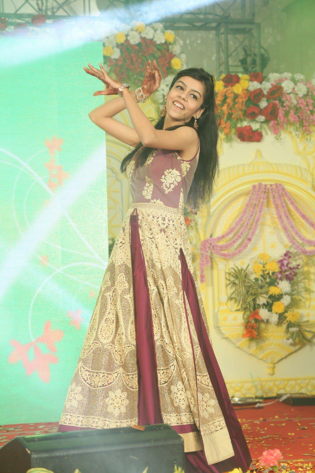 prashita dancing solo