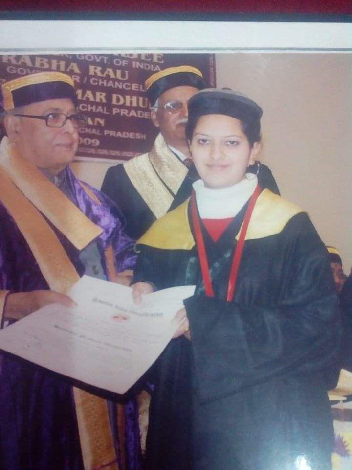 akriti awarded gold medal by pranab mukherjee