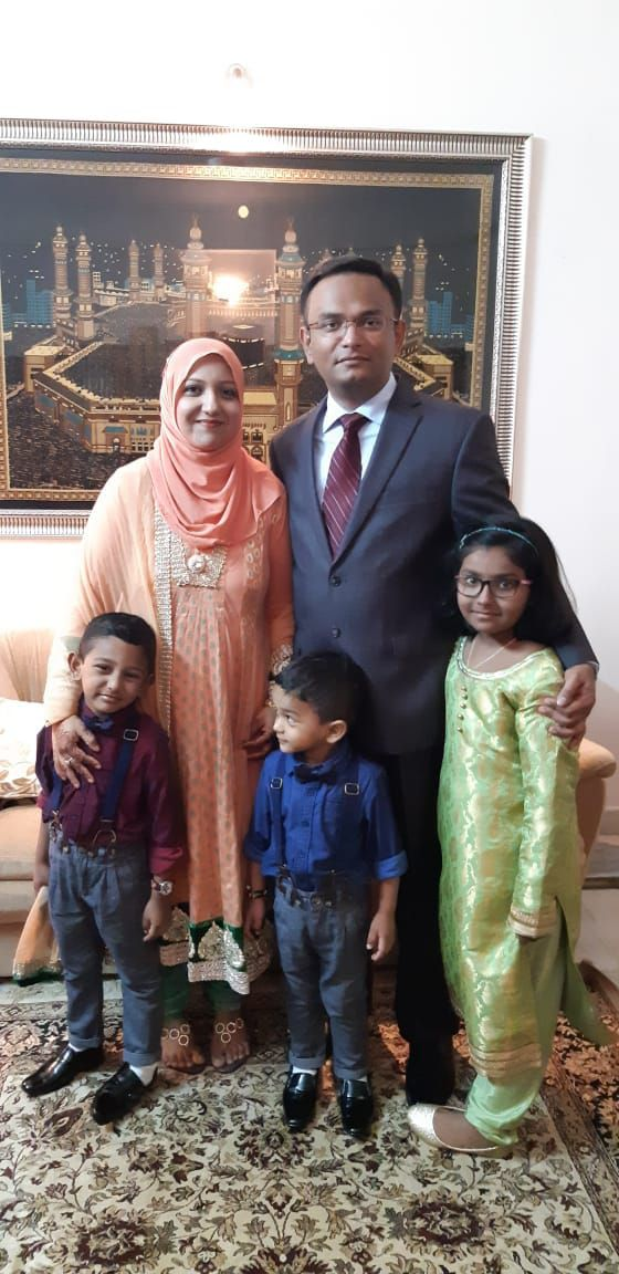 ayesha and her family of five