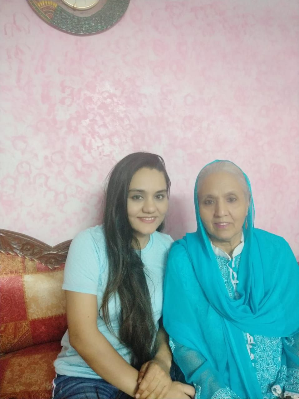 farnaz with her mother